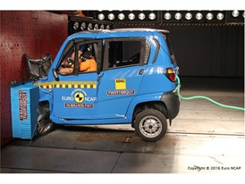Bajaj Qute Frontal crash test 2016