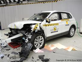 Volkswagen Tiguan - Frontal Offset Impact test 2016 - after crash