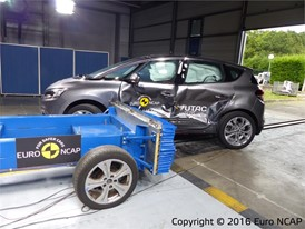 Renault Scenic - Side crash test 2016 - after crash