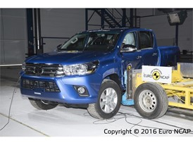 Toyota Hilux - Side crash test 2016 - after crash