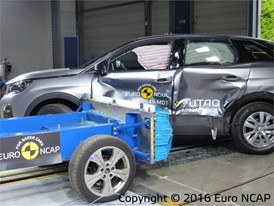 Peugeot 3008 - Side crash test 2016 - after crash