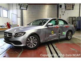 Mercedes-Benz E-Class - Side crash test 2016 - after crash