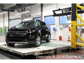Ford Edge - Pole crash test 2016 - after crash
