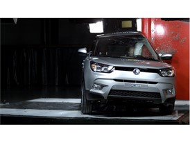 SsangYong Tivoli - Pole crash test 2016