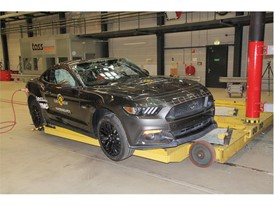 Ford Mustang - Pole crash test 2017 - after crash