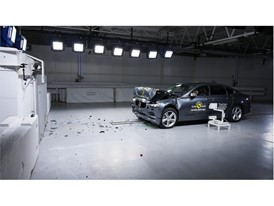 Volvo S90 - Frontal Full Width test 2017 - after crash