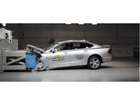 Volvo S90 - Frontal Offset Impact test 2017