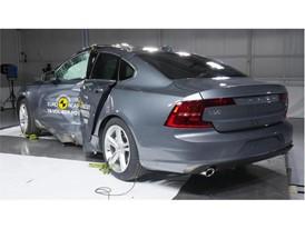 Volvo S90 - Pole crash test 2016 - after crash