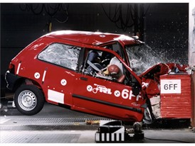Crash test phase 1 - Renault Clio