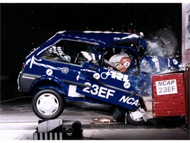 Crash test phase 1 - Rover 100
