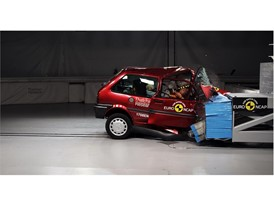 Rover 100 20th anniversary crash test - on crash