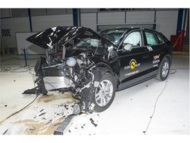 Audi Q5 - Frontal Offset Impact test 2017 - after crash