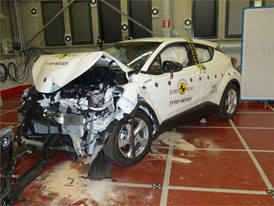 Toyota C-HR - Frontal Offset Impact test 2017 - after crash