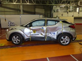 Toyota C-HR - Side crash test 2017 - after crash