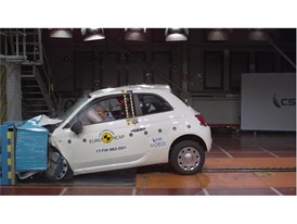 Fiat 500 - Frontal Offset Impact test 2017
