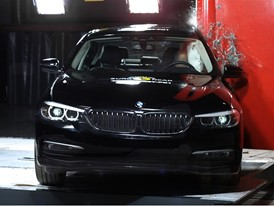 BMW 5-Series  - Pole crash test 2017