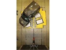 Fiat Doblo  - Pole crash test 2017 - after crash