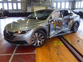 VW Arteon  - Side crash test 2017-after crash