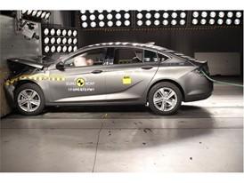 Opel Insignia- Frontal Full Width test 2017