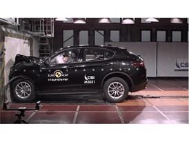 Alfa Romeo Stelvio - Frontal Full Width test 2017