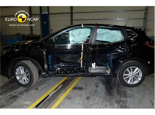 Nissan Qashqai -Side crash test 2014 - after crash