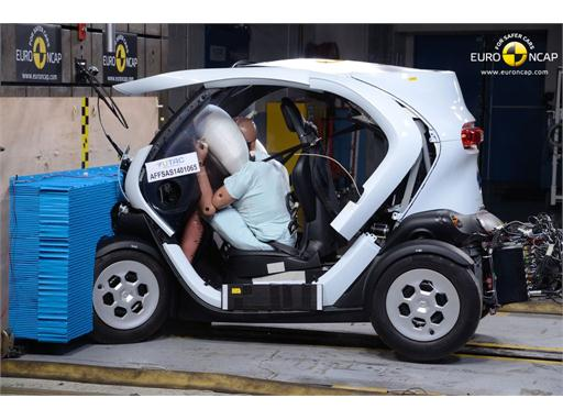 Renault Twizy 80  - Frontal crash test 2014
