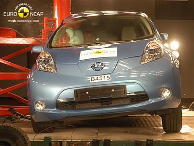 Nissan Leaf - Crash Test 2011