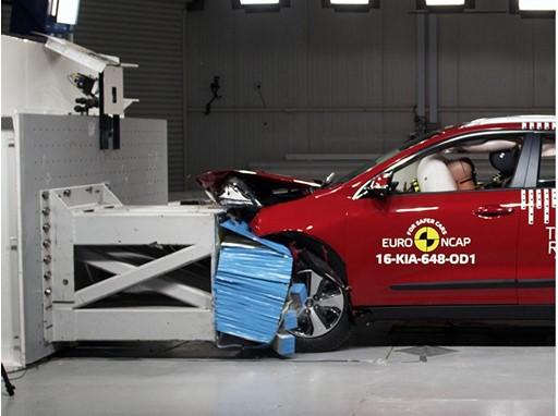 Kia Niro - Frontal Offset Impact test 2016