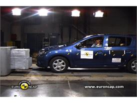 Dacia Sandero - Crash Tests 2013