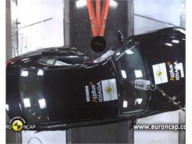 Infiniti Q50 - Crash Tests 2013