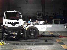 Renault Twizy 80 - Crash Tests 2014 - with captions