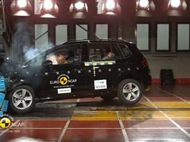 VW Golf Sportsvan - Crash Tests 2014