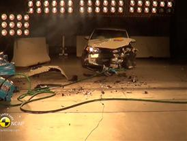 BMW 2 Series Active Tourer - Crash Tests 2014 - with captions