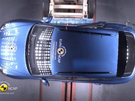 Porsche Macan - Crash Tests 2014 - with captions