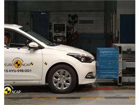 Hyundai i20 - Crash Tests 2015