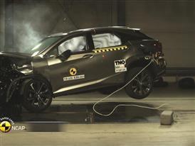 Lexus RX - Crash Tests 2015