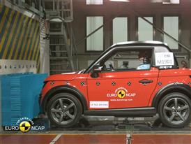 Tazzari Zero Crash Test 2014