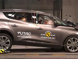 Renault Scenic - Crash Tests 2016
