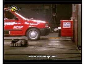 Crash test video Nissan Micra 1997