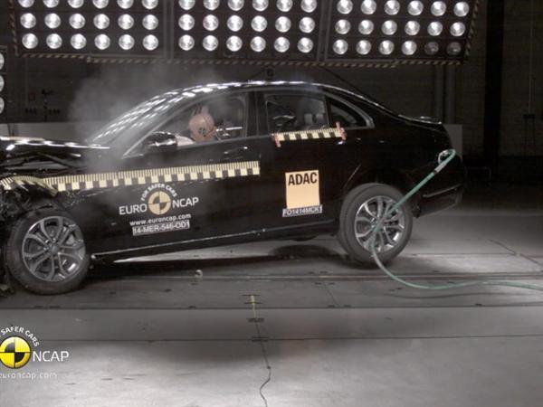 Mercedes C-Class - Crash Tests 2014