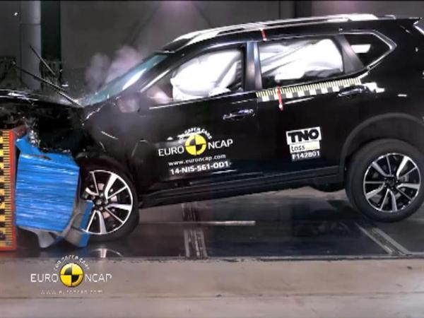 Nissan X-Trail - Crash Tests 2014