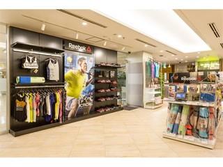 グローバルフィットネス ライフスタイルブランド「リーボック」が フィットネス界のパイオニア「ゴールドジム」と本格的にコラボレーションを開始 2016年11月1日(火)「ゴールドジム 銀座中央」オープン