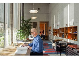 Mentor Peter Zumthor in his studio in Haldenstein.