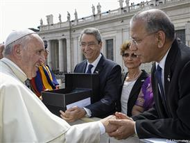 Pope Francis and President K.R. Ravindran Photo
