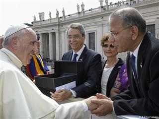 Rotary members attend Jubilee Audience at the Vatican