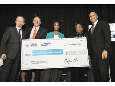 Samsung Surprises a Newark Elementary School with $50,000 in Technology to Celebrate Girls in STEM