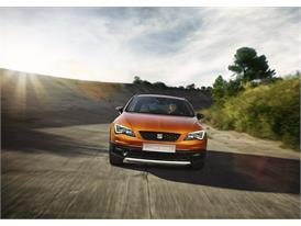 SEAT Leon Cross Sport Show Car, exterior, dynamic shot, front view