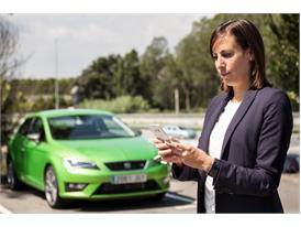 The Full Link system enables sharing the content of the mobile phone with the car (3)
