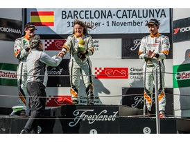 Lucile Cypriano wins the last race of the season podium 2