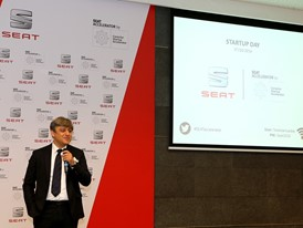 SEAT President Luca de Meo speaking to entrepreneurs on Startup Day last 7 October